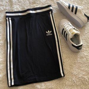 Adidas Navy 3 stripe skirt